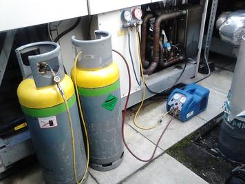 Refrigerant handling using yellow and green top recovery cylinders and recovery unit
